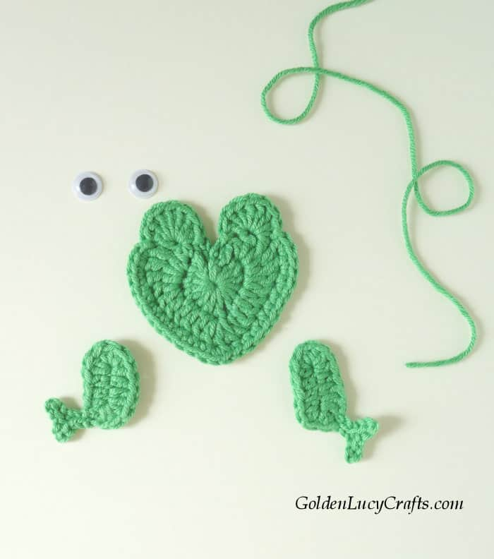 How to crochet a frog applique