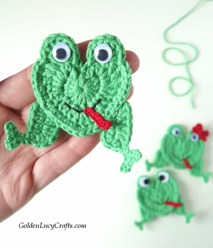 Crochet frog applique, green frog with googly eyes