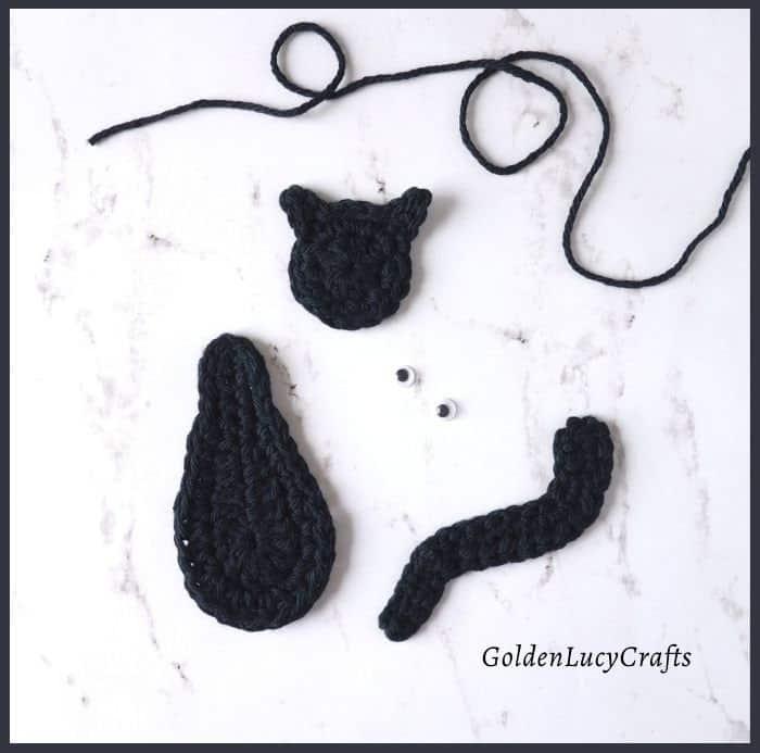 Crochet black cat applique's elements