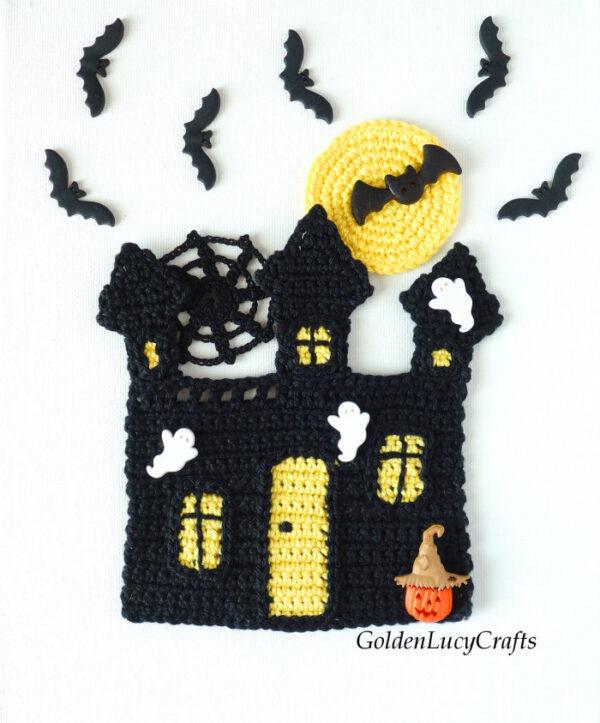 Crochet haunted house applique