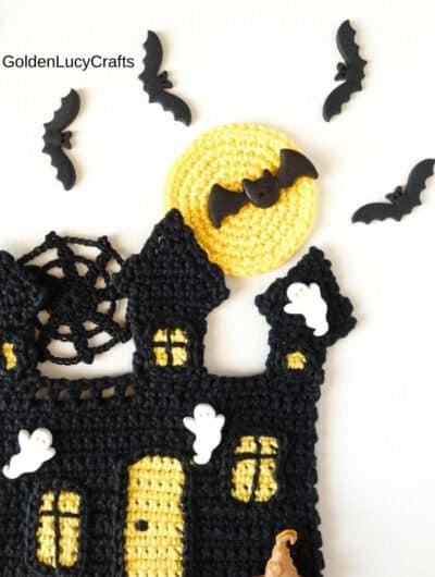 Crochet pattern haunted house