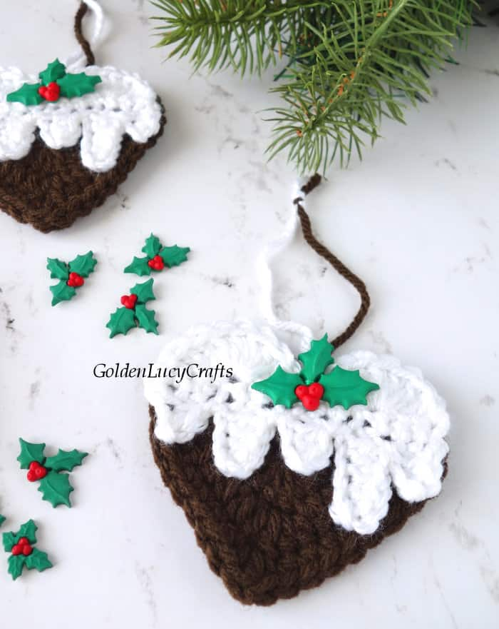 Christmas pudding ornament close up image