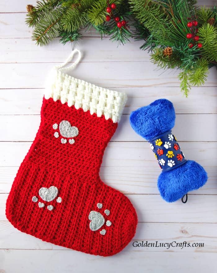 Crochet Christmas stocking for dog, crochet pattern for dog