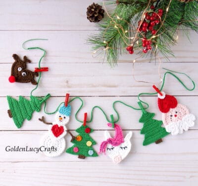 Christmas garland made from crocheted appliques.