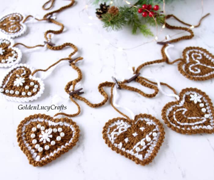 Crocheted Christmas garland, close up image