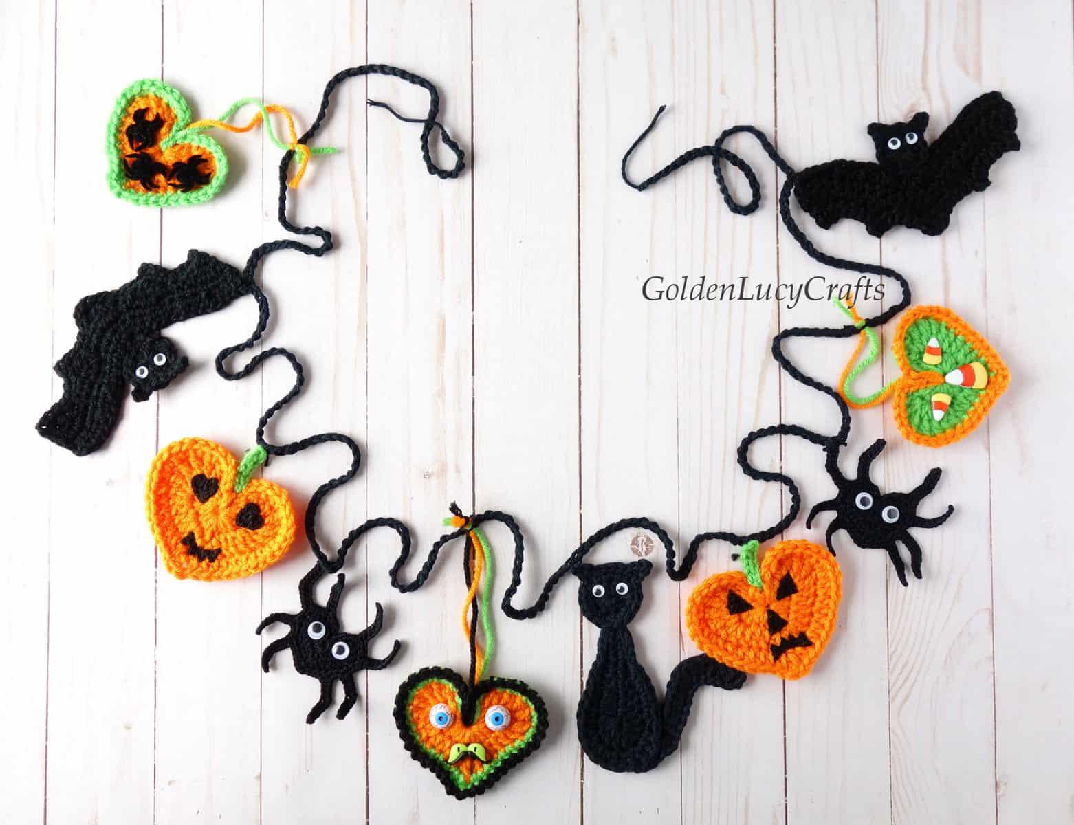 Crochet Halloween garland.