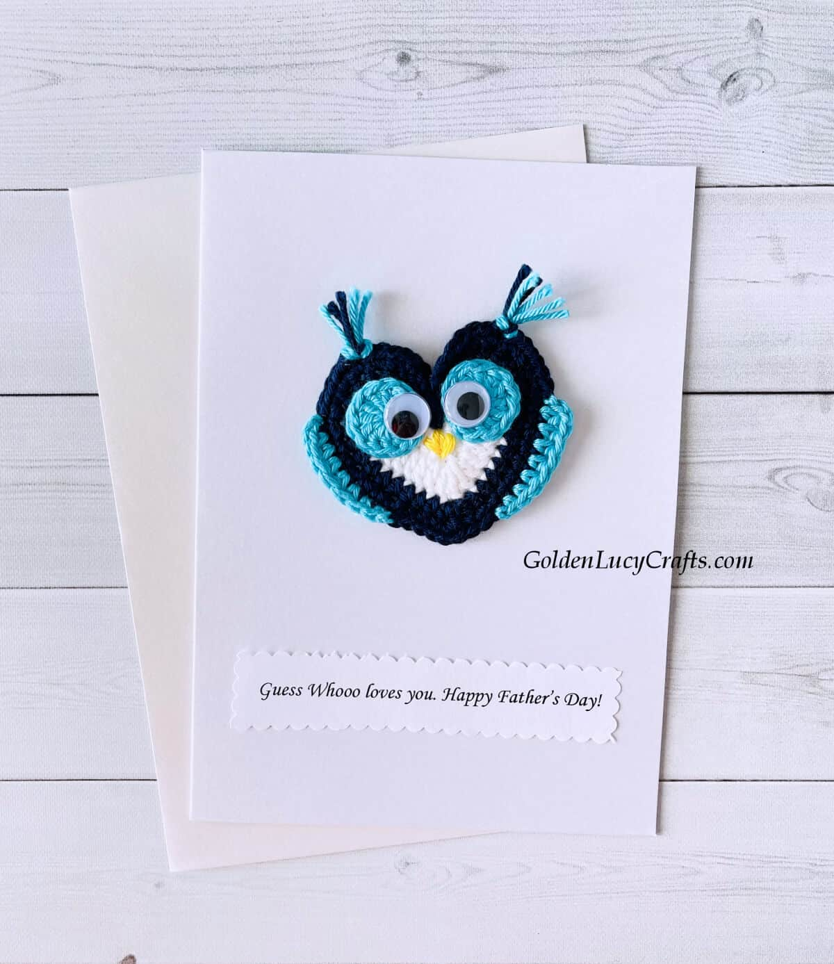 """Crochet owl applique on a white card with the text """"Guess whoo loves you. Happy Father's Day!"""""""